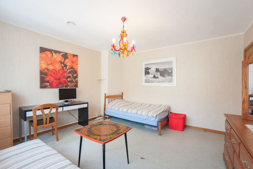 Enjoy your stay in Leuven in a beautiful and affordable room!