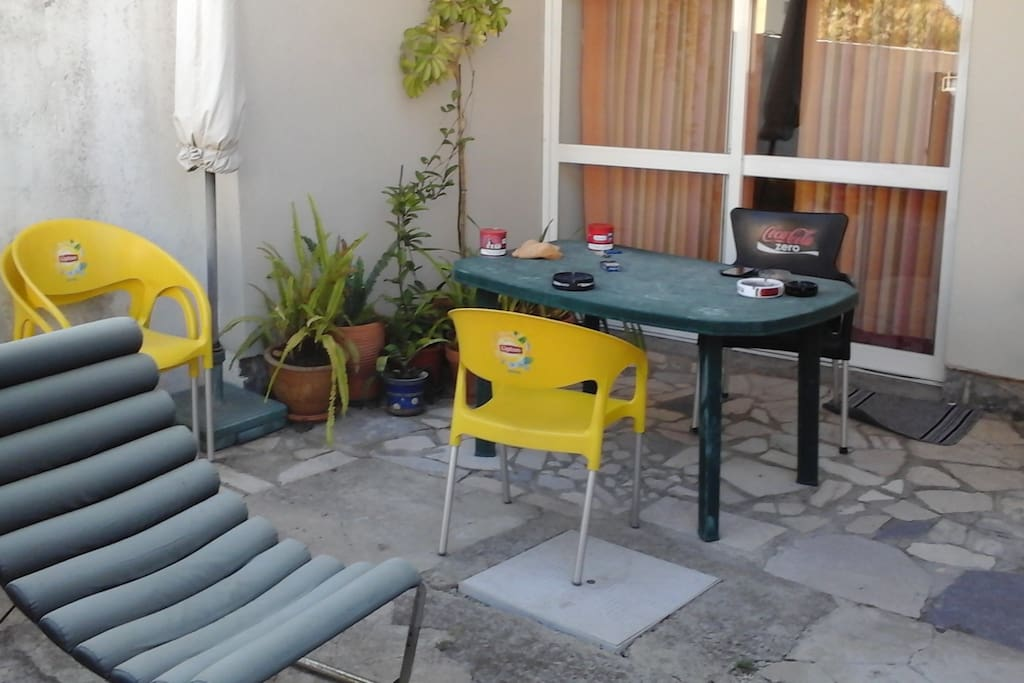 carcavelos chat rooms Double room in casa sto  carcavelos beach is within 10min by car and there you have some  zé pedro is a very friendly person who is always down to chat.
