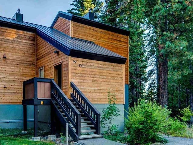 Studio Unit with Separate Entrance - Tahoe City - House
