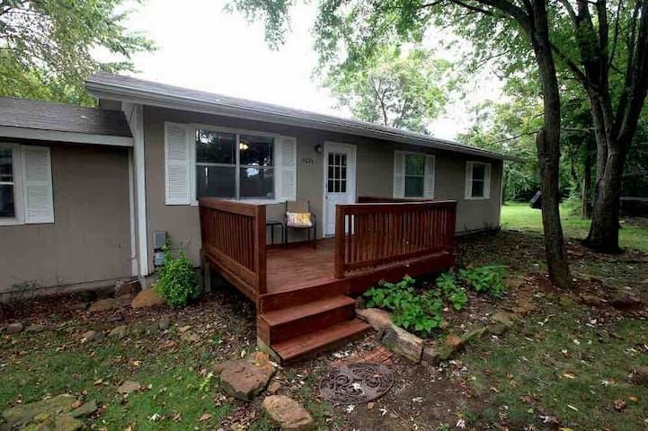 Ginger's Pet Friendly Country Cottage