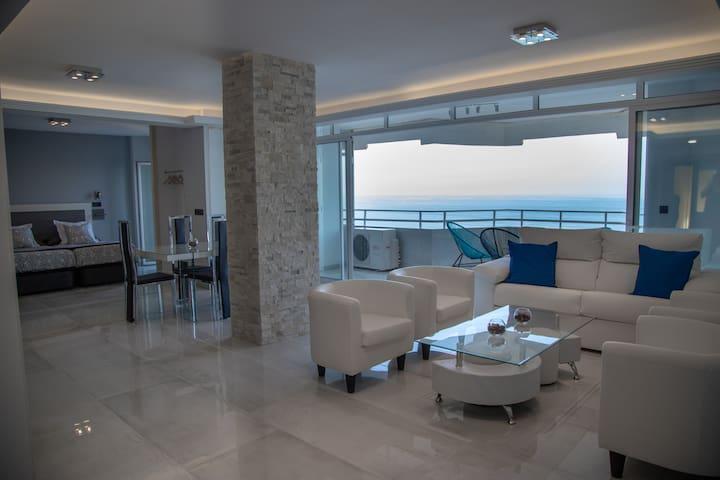Deluxe Supreme Executive Suite