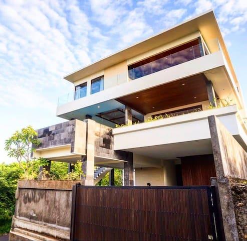 Beautiful villa with second floor infinity pool