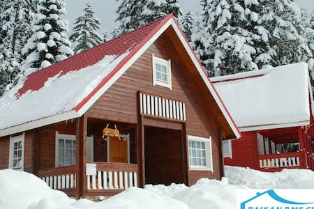 Alpine Chalet Tomba