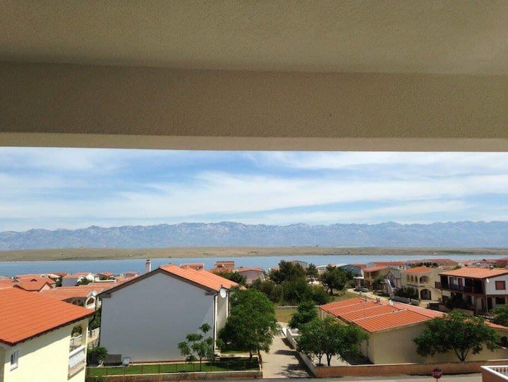 Croatian seaside apartment on island Vir