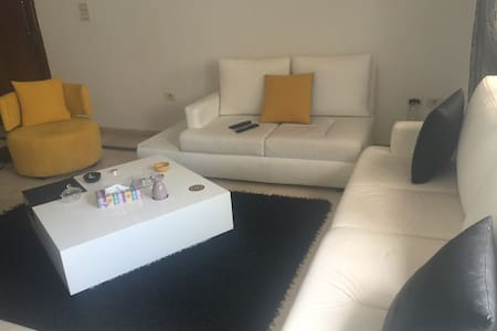 Private bedroom with private bathroom - Tunis - Apartament