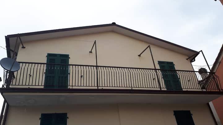 Appartamento a Carrodano Superiore