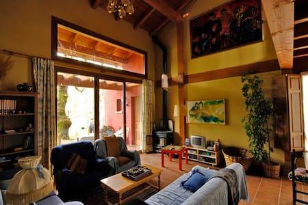 Casa para 8 entre Burgos y Soria jardín y barbacoa - Villanueva de Carazo