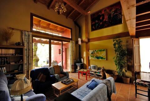Casa para 8 entre Burgos y Soria jardín y barbacoa