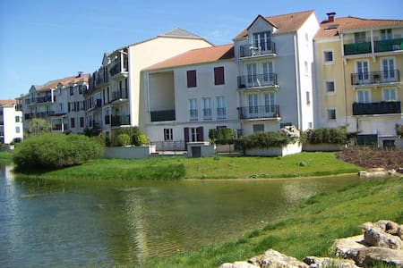 3 bedroomed Nr Disneyland Paris - Daire