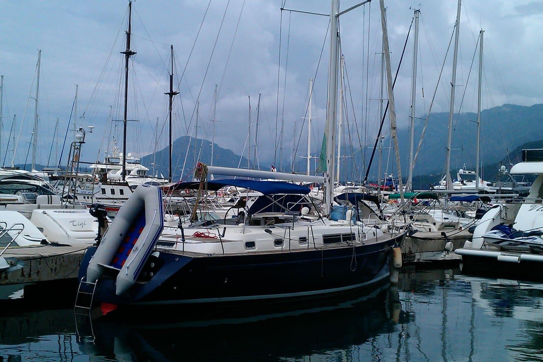 Beneteau Oceanis 44cc at Marina Bar