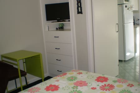 Fully Furnished Room / Studio - Ardross - House