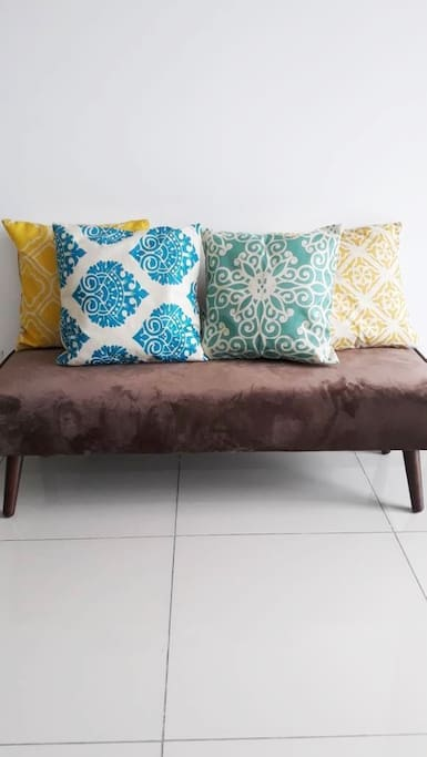 Living Hall - Bench with Geometric Pattern Cushions