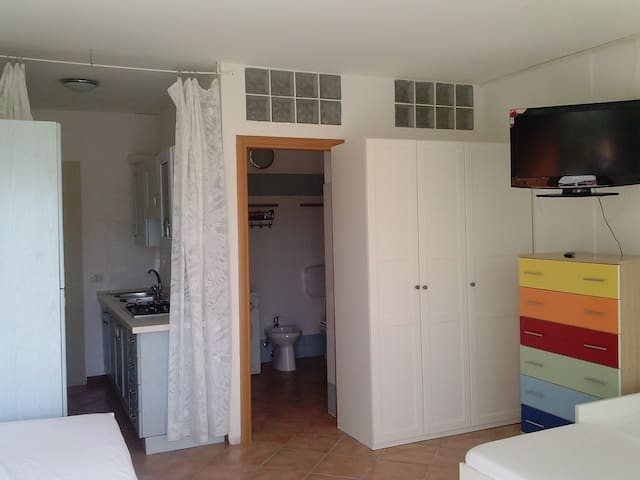 Appartamento 10 monolocale. a 290 mt dal mare