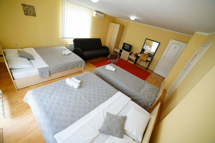 Majesty B&B - 5-bed apartment
