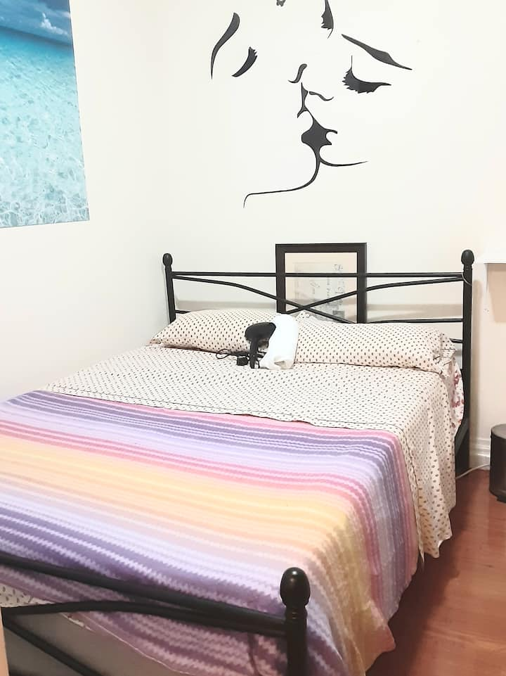 Beatiful private Bedroom 15 min to Time Square