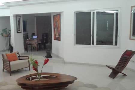 Villa Nalla ,2 chambres , 4 pers - Dakar
