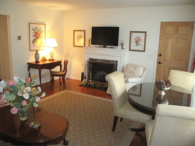Beautiful 3 Bedroom - 20 min to NYC - Guttenberg - Apartmen