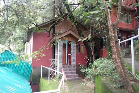 Cheryton Cottage (S) in the heart of McLeod Ganj - Bungaló
