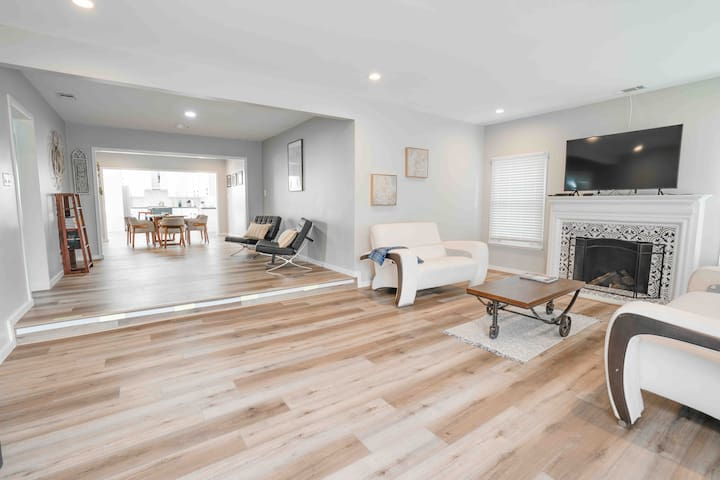 Spectacular 4 bedroom house centrally located