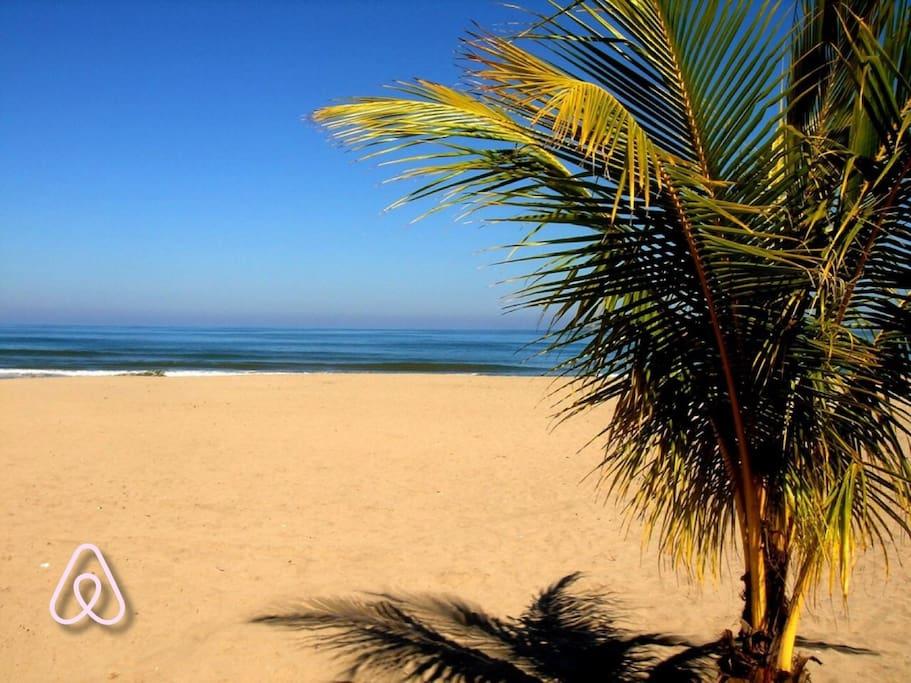 2 minutes away from the beach by car | Solo 2 minutos de la Playa en carro