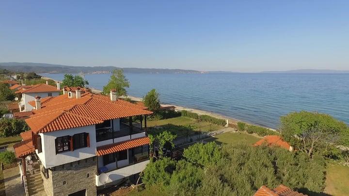 Villa AristoteliS