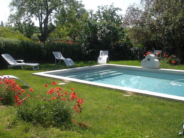 Gîte à la campagne avec piscine 2p - Béraut - Appartement