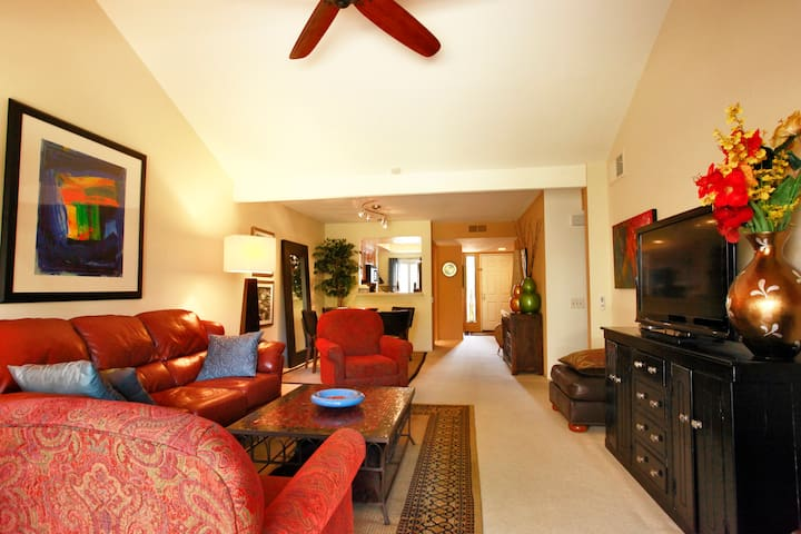 Available Labor Day Weekend!Oasis Resort Condo