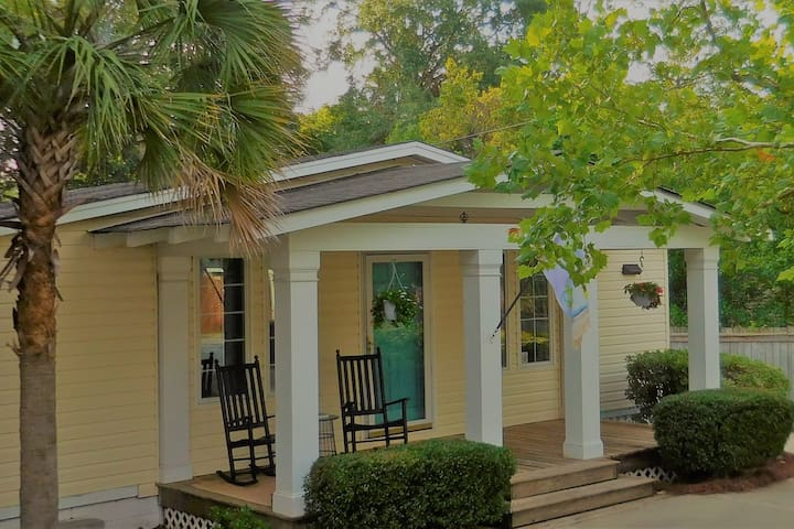 Shandon Bungalow with Contemporary Style
