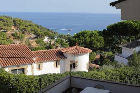 Casa pareada vistas al mar Cala Canyelles