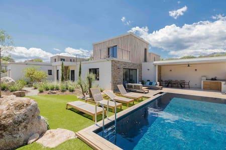 Villa contemporaine 5* piscine chauffée