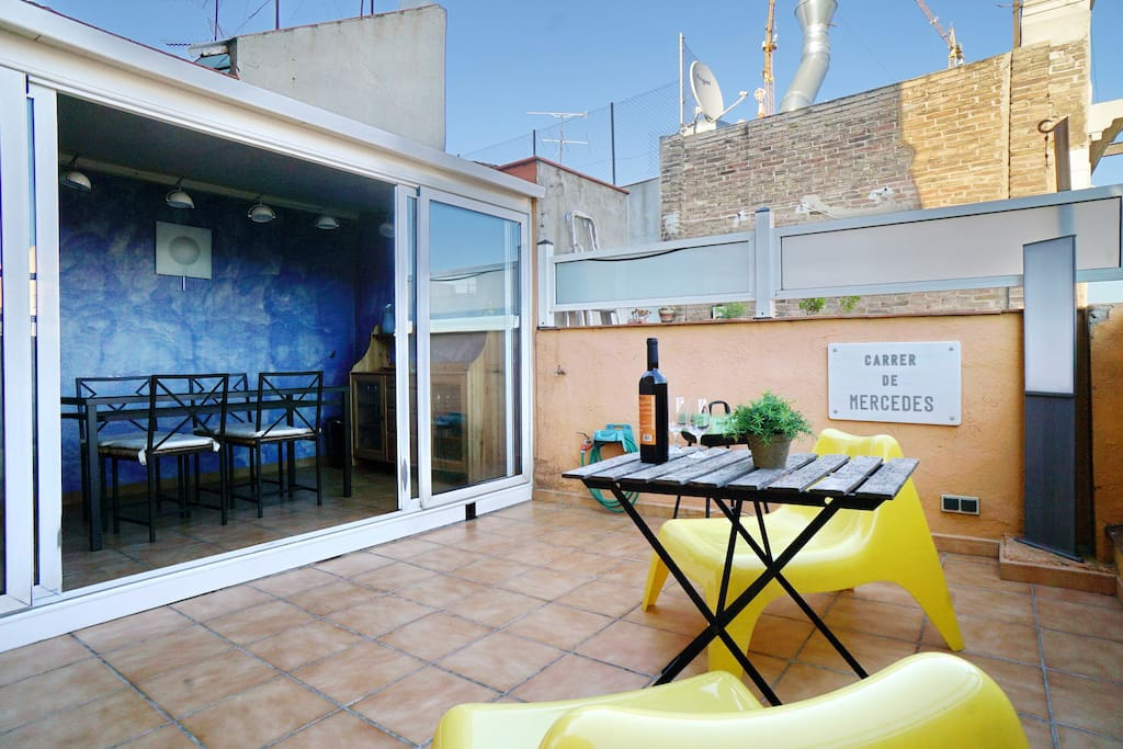 appartement avec terrasse barbecue appartements louer barcelone barcelona espagne. Black Bedroom Furniture Sets. Home Design Ideas