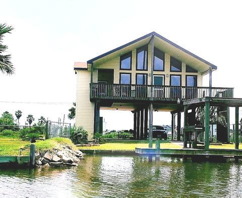 Casa Di Bayou - Waterfront Bungalow      WIFI/HBO