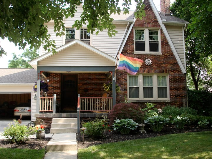 Comfortable rooms in Clintonville 1