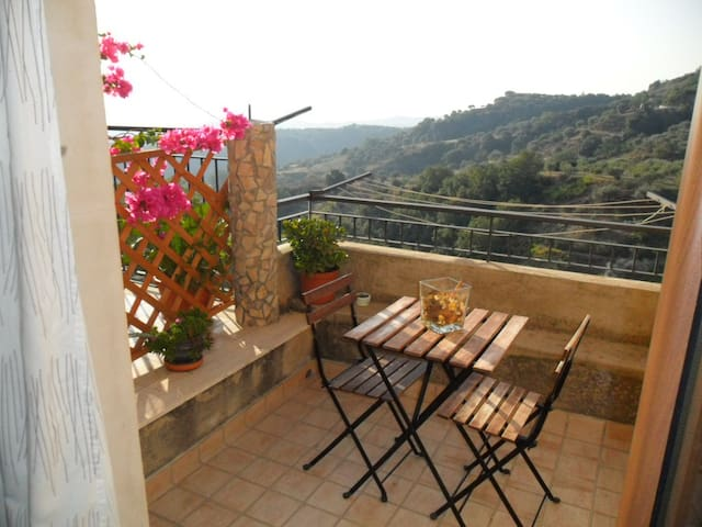 Apartment in medieval village - Badolato - Apartamento