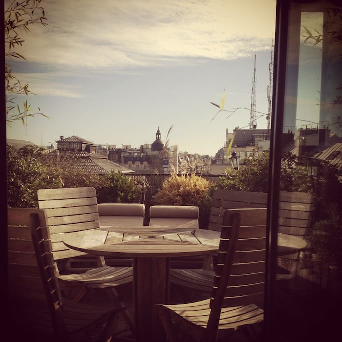 top floor terrasse with amazing view (private according to number of guests)