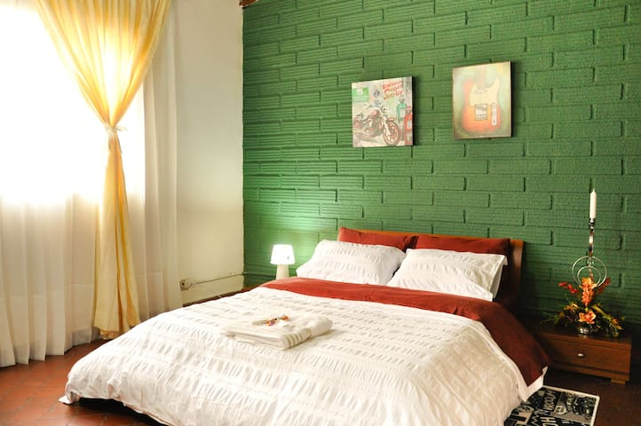 PRIVATE COZY BEDROOM IN MEDELLIN #1 - Medellin - Rumah