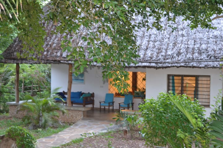 Beautiful romantic cottage Trinket - Watamu - Talo