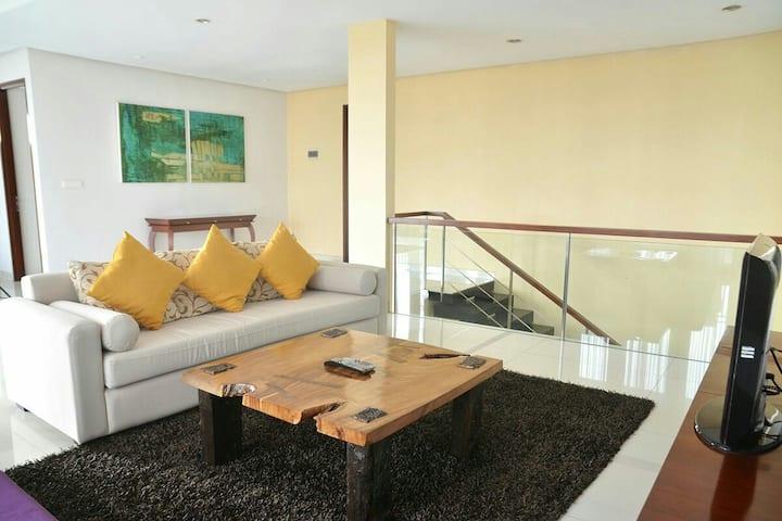 Chez Luxury 3 bed rooms Villa Dago Pakar Bandung