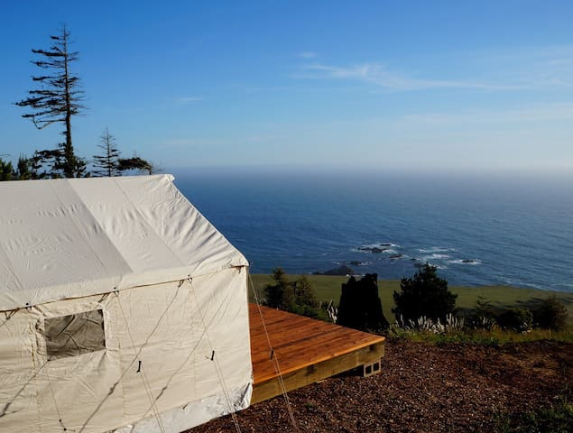 Glamping tent 400 feet above the Pacific Ocean - Stewarts Point - Khemah