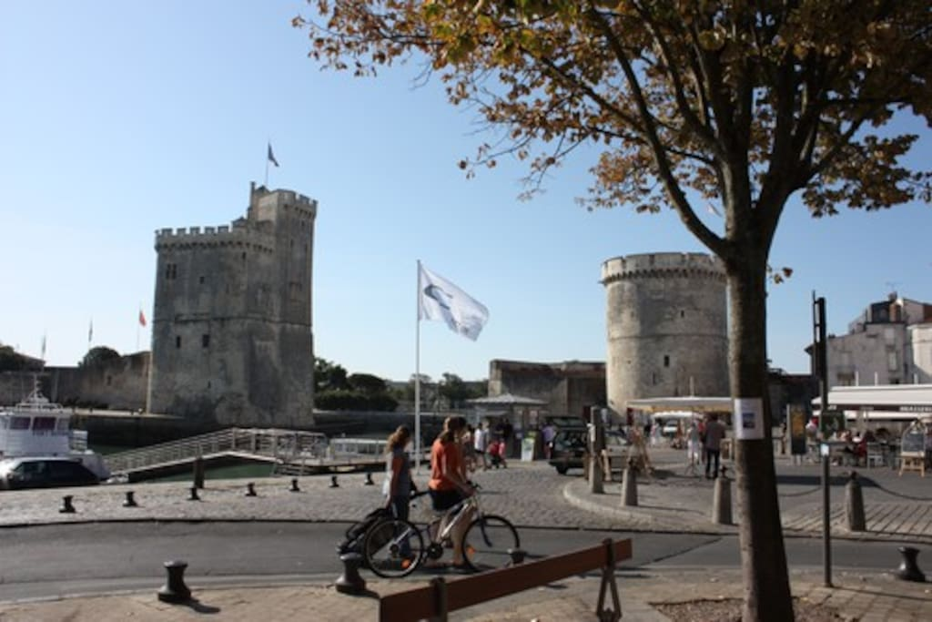 T1 bis le vieux port de la rochelle apartments for rent in la rochelle poitou charentes france - Parking du vieux port la rochelle ...