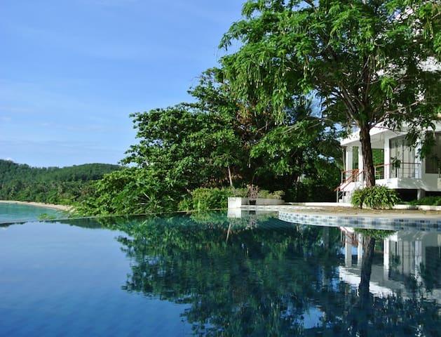 Bann Sanehchandra Ocean front villa