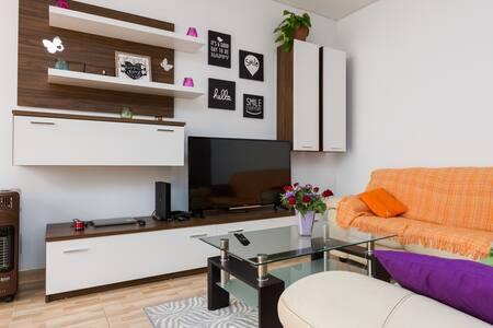 Bright & cozy penthouse near St.Julians and Sliema - San Ġwann - 公寓