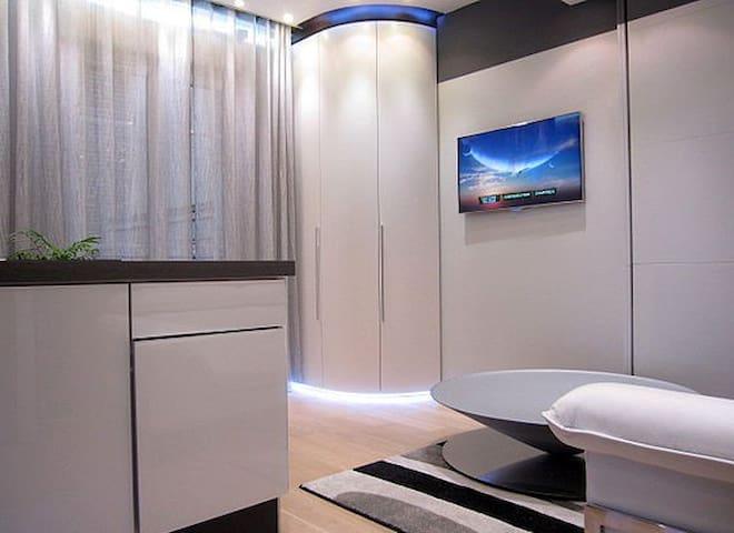 luxury Studio 24m2  av.italie PARIS