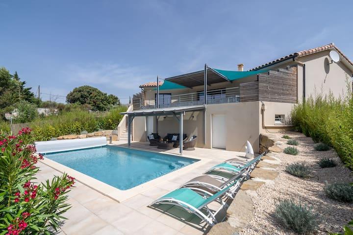 Luxurious Villa near River in Cesseras