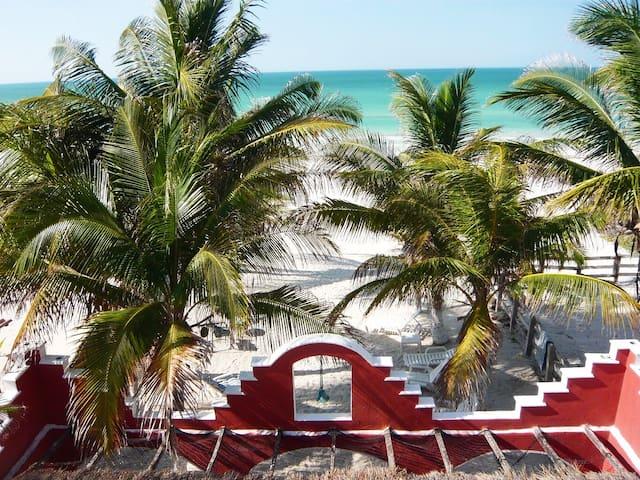 Beachfront Penthouse Hacienda Cuyo - El Cuyo - Apartamento