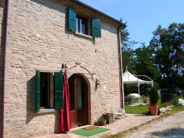 Mulini Venturi B&B mulino in pietra del 1700 - Saludecio