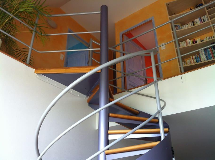 Escalier donnant accès à l'étage