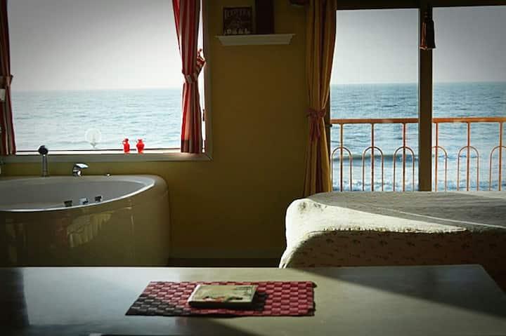 창밖으로 예쁜바다 앙상블  청포대해수욕장1m 바로앞 바다보며 스파여행