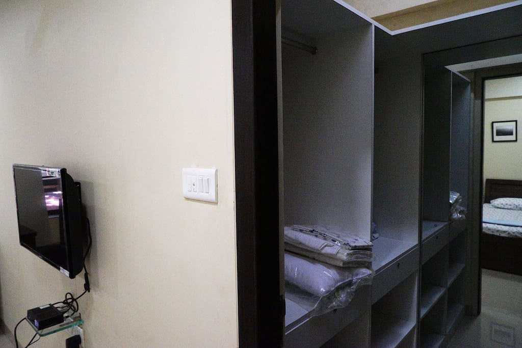 Bedroom with Walk-in Wardrobe
