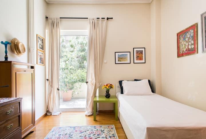Nice room in a beautiful quiet area
